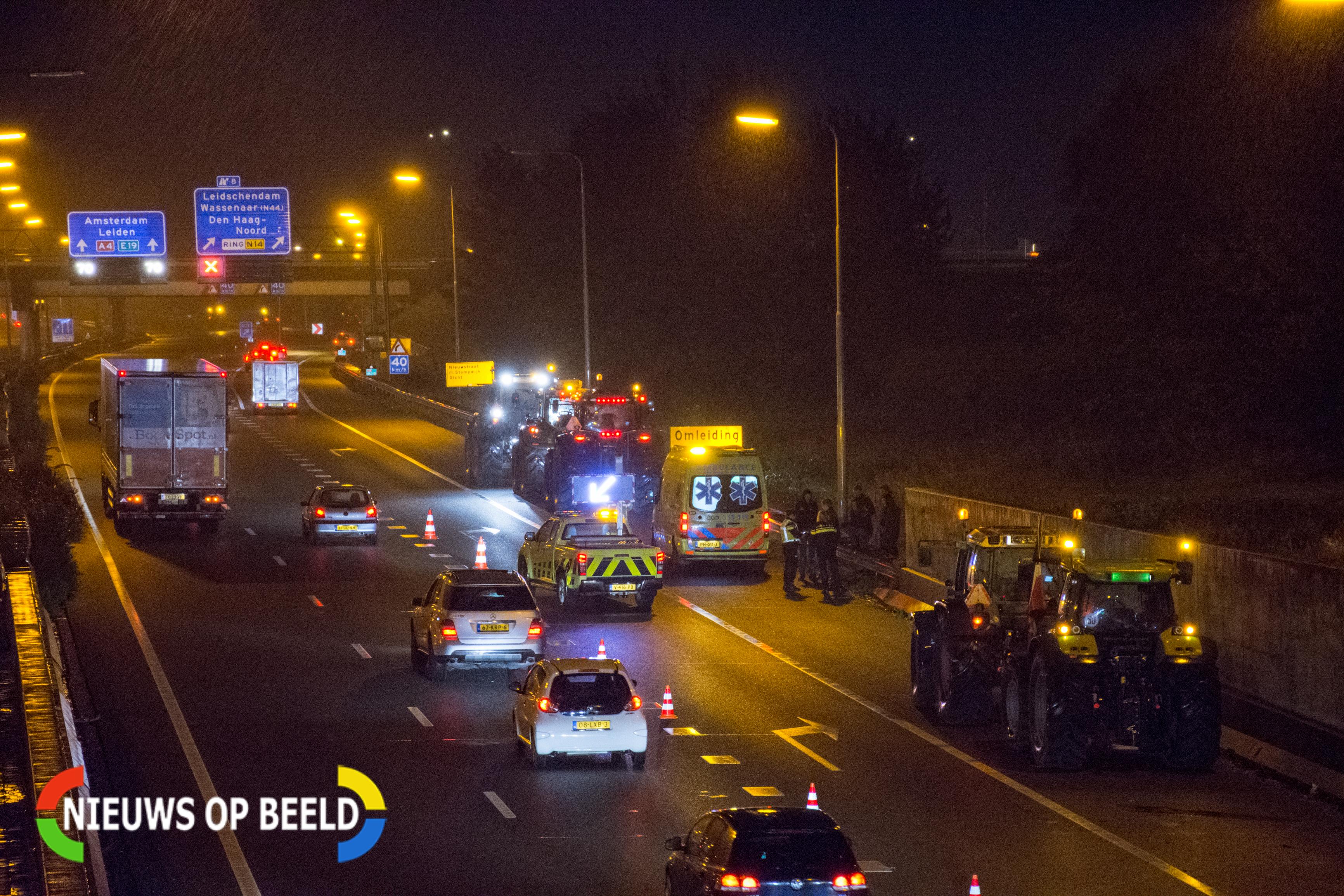 Drie tractoren betrokken bij kop-staartaanrijding op Rijksweg A4 bij Leidschendam
