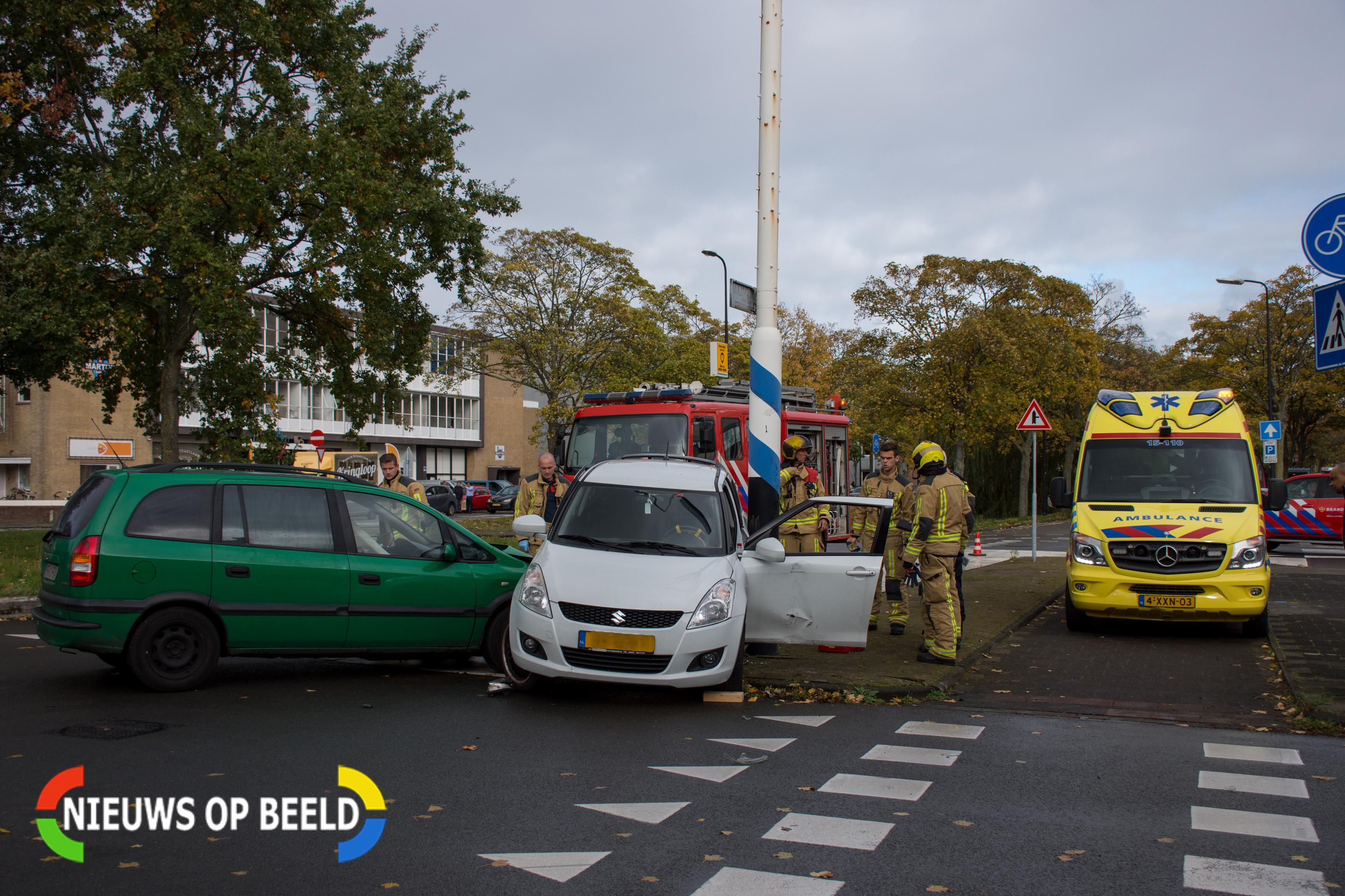 Automobiliste gewond na flinke aanrijding in Rijswijk