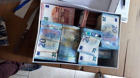 Beslag op 72.000 euro in contanten in Zwijndrechtse woning directeur fruitbedrijf