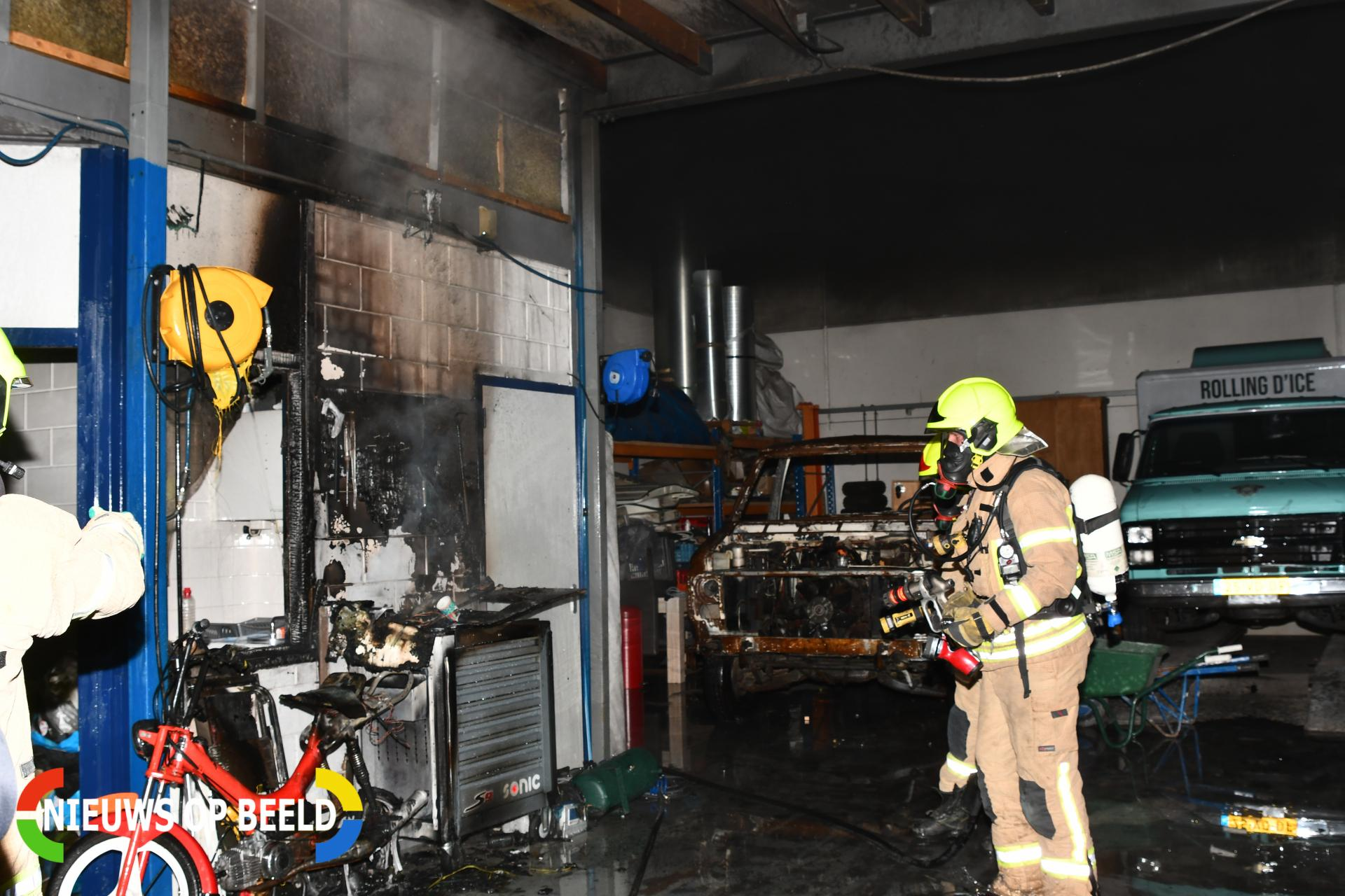 Brand in werkplaats snel onder controle Christiaan Huygensweg Hellevoetsluis