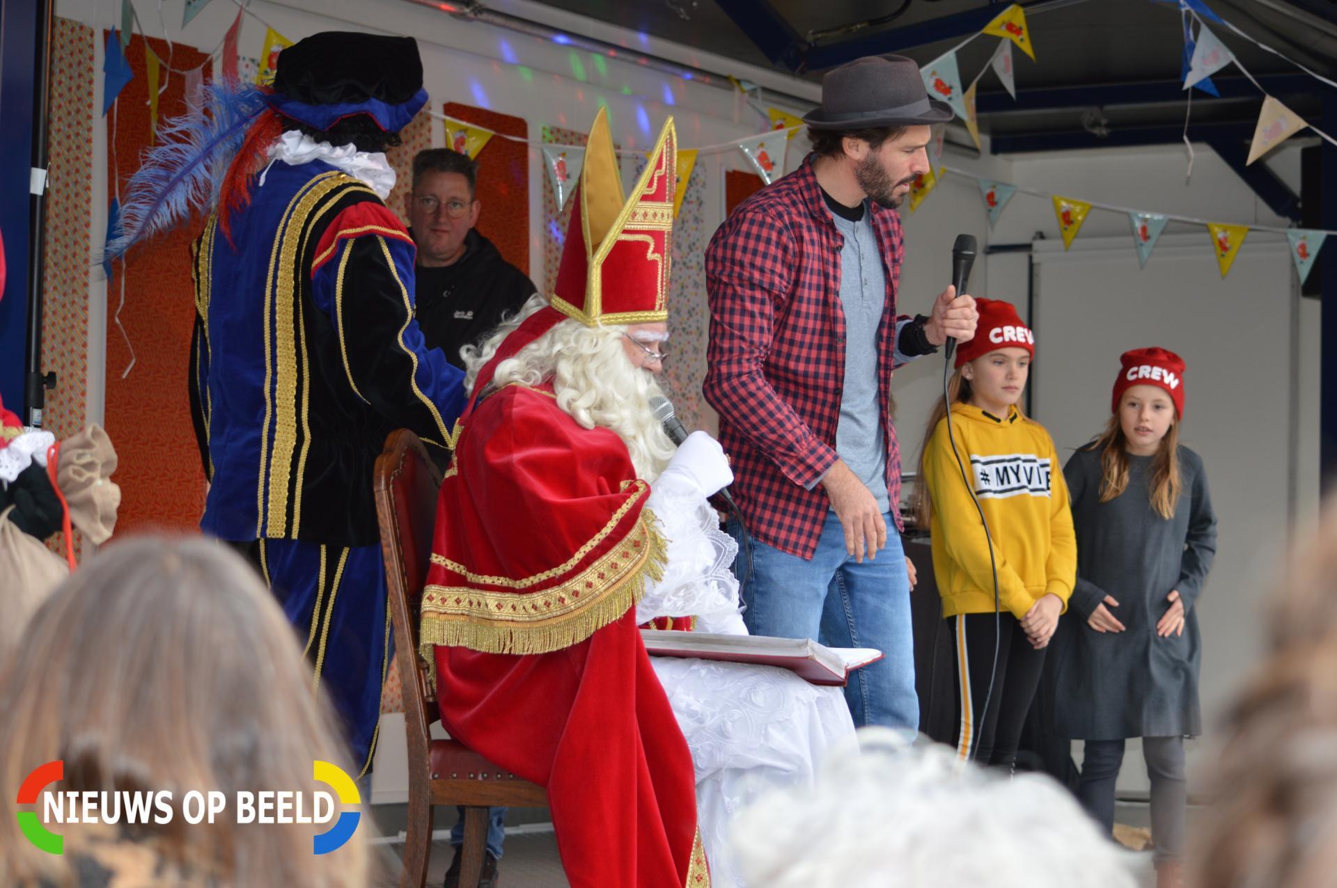 Gemoedelijke Sinterklaas Intocht Schiebroek Rododendronplein Rotterdam Nieuws Op Beeld