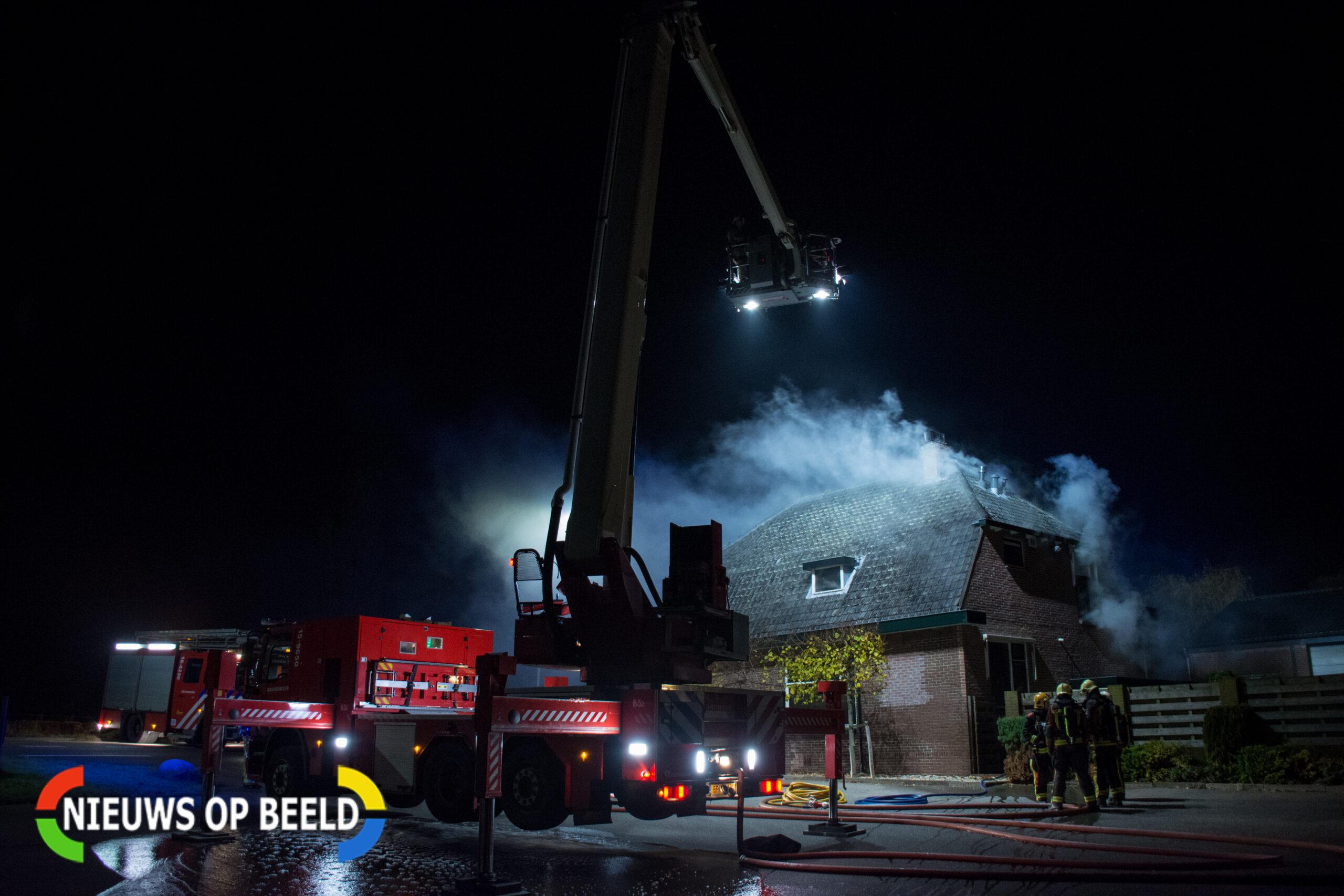 Felle brand in woning Oosteinde in Stompwijk (video)