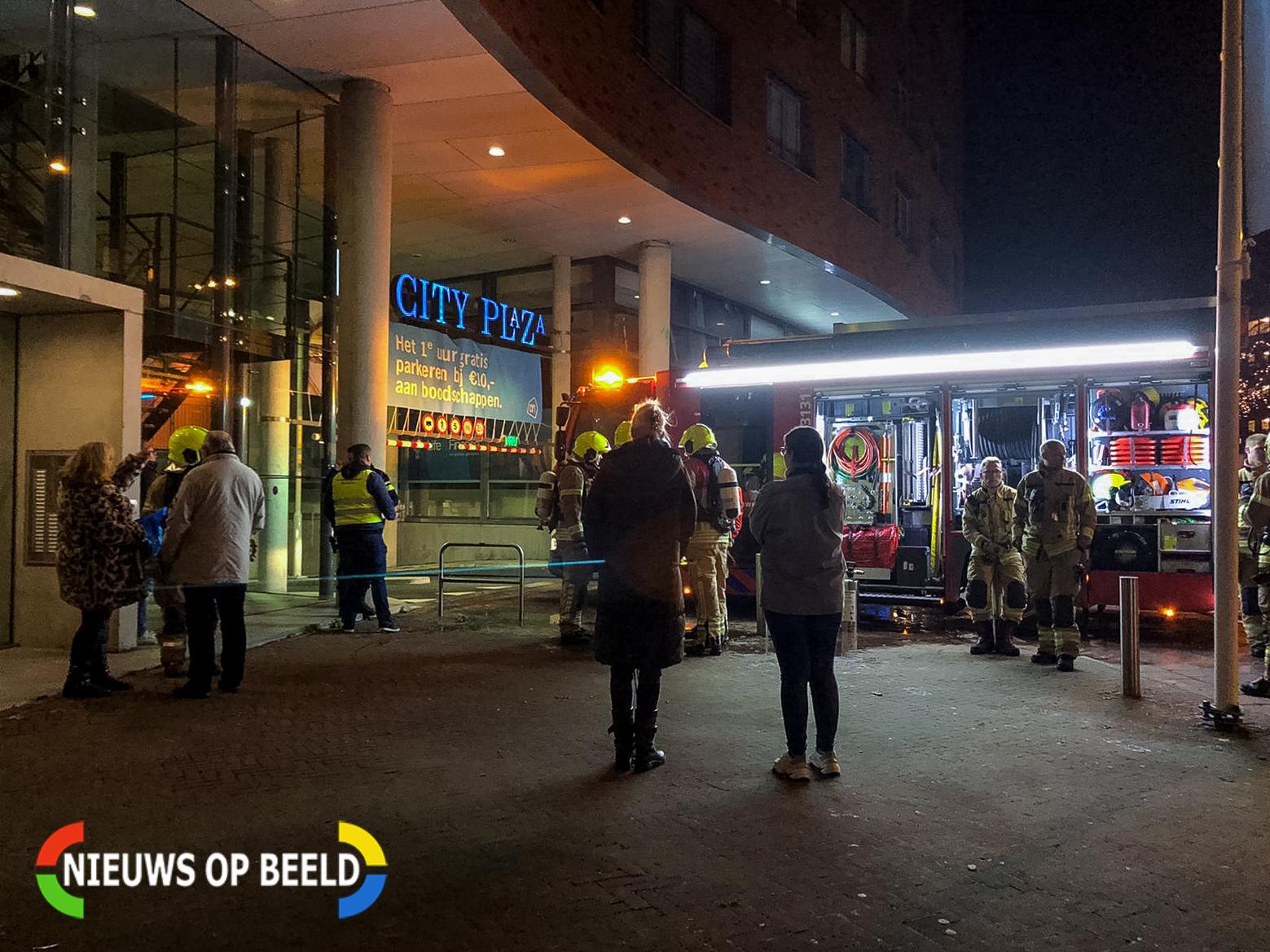 Auto in brand in parkeergarage Spijkenisse