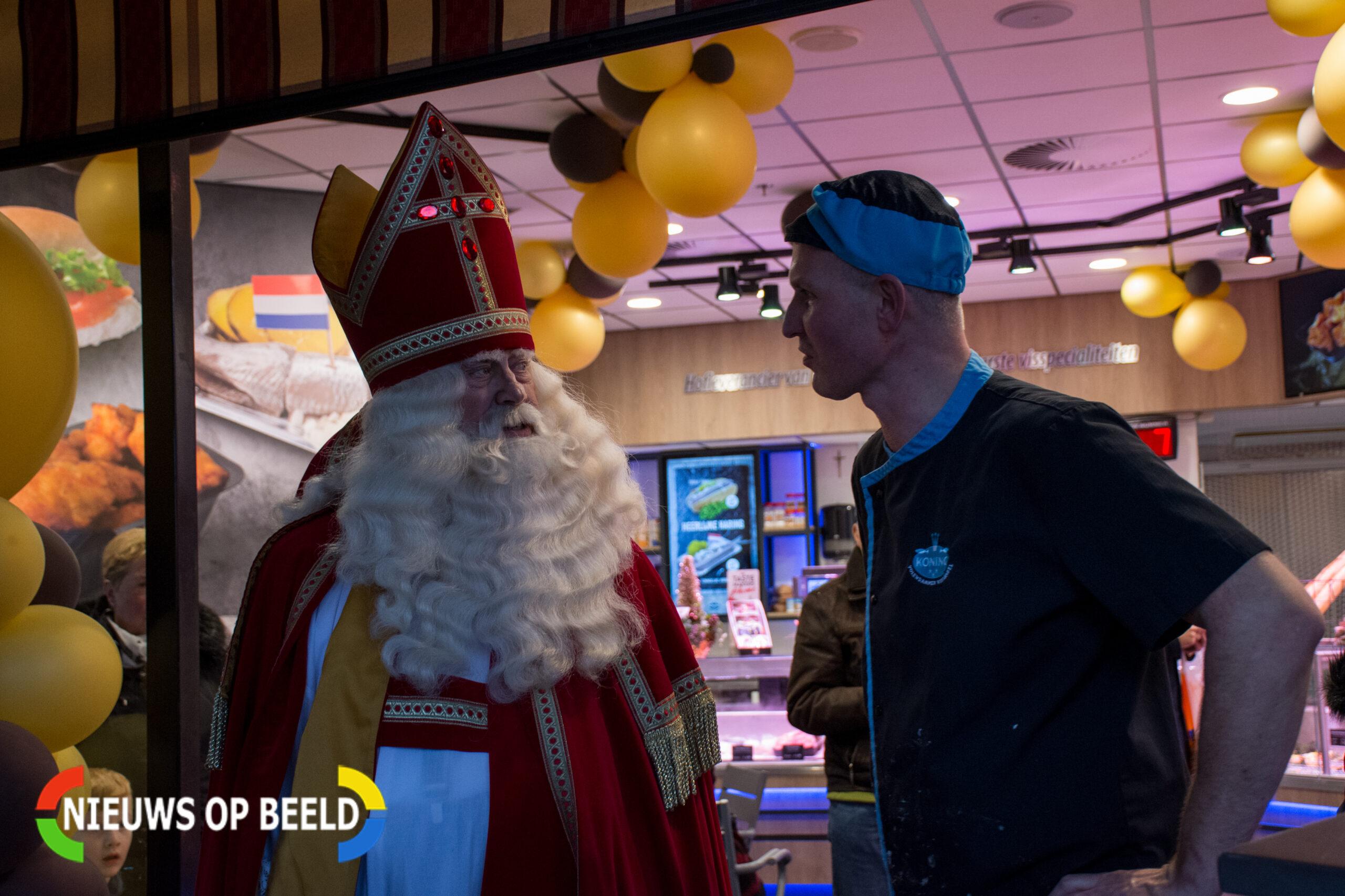 Sinterklaasintocht in Rijswijk; KOZP-demonstratie rustig verlopen