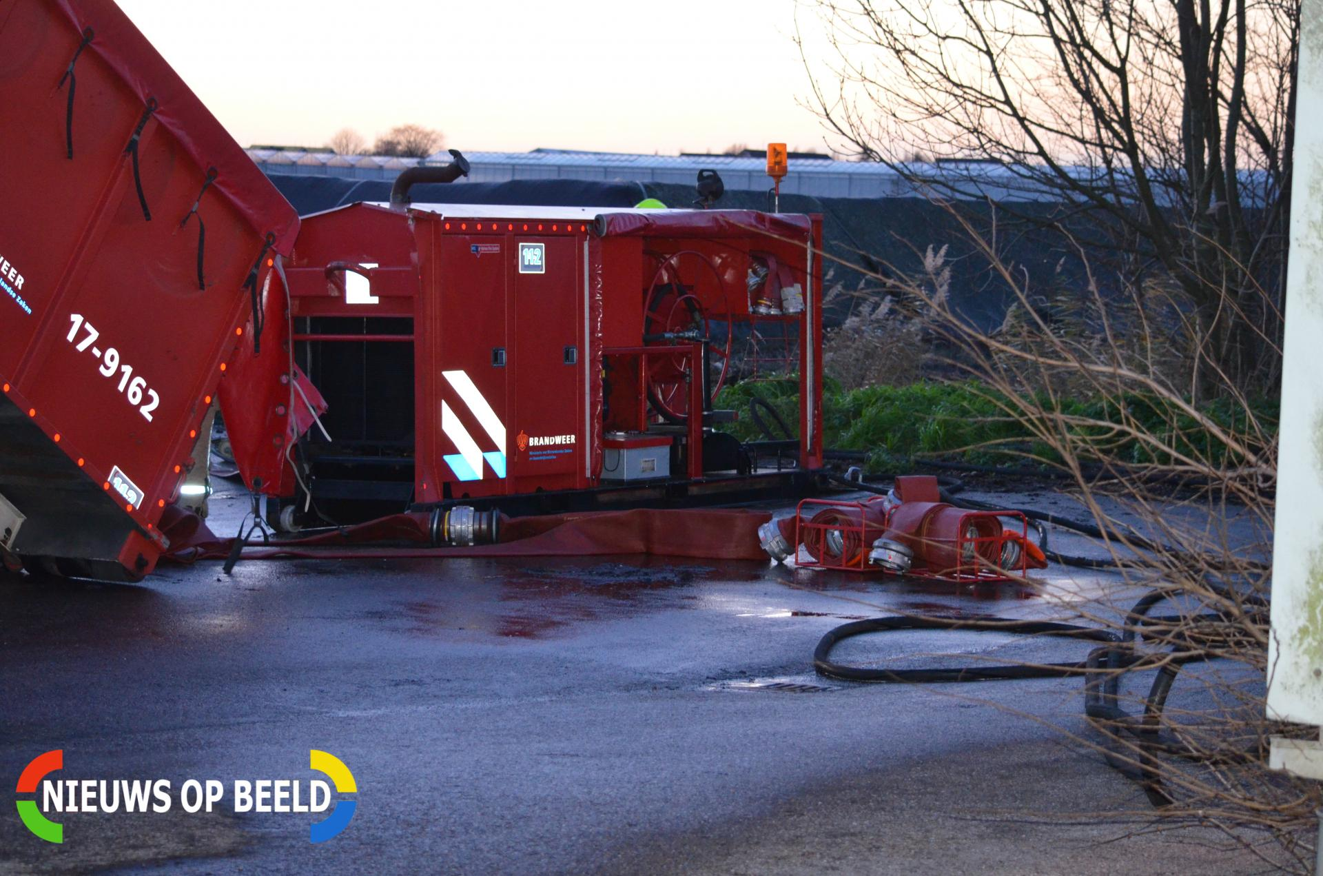 Brand in composthoop lastig te blussen Hoeksekade Bergschenhoek