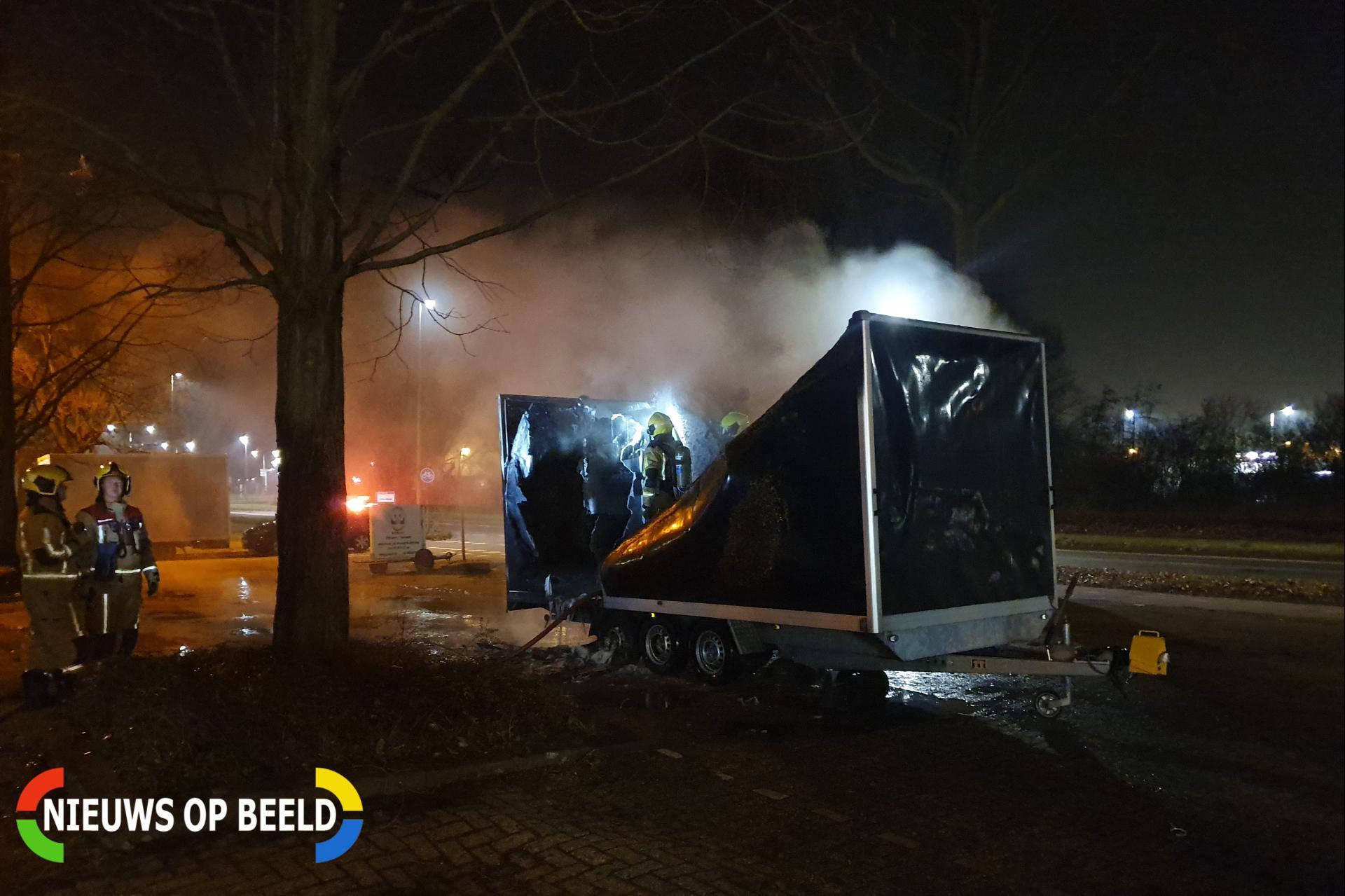 Aanhanger verwoest door brand Wattstraat Zoetermeer