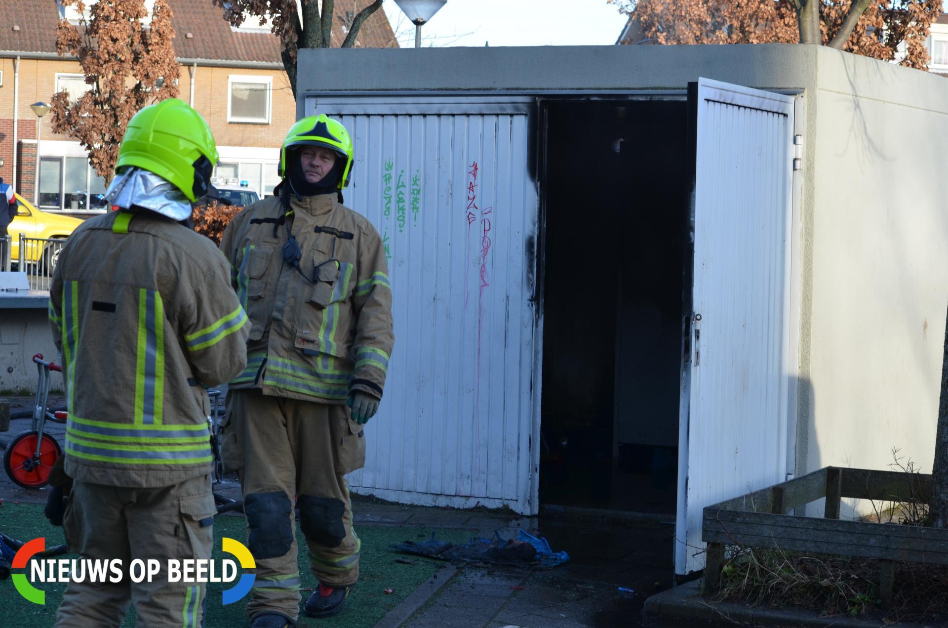 Brand in opslagcontainer op schoolplein Stampioendreef Bergschenhoek