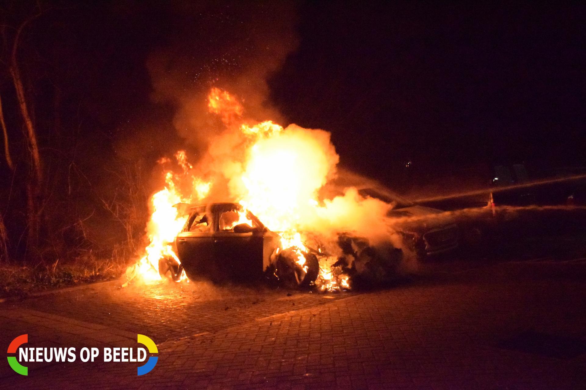 twee auto's verwoest vermoedelijk brandstichting Eiber Bodegraven