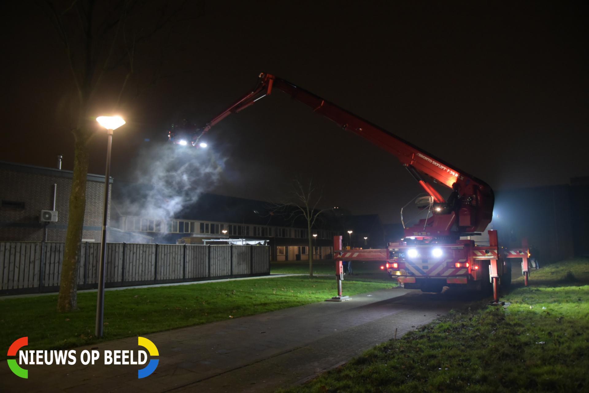 Slaapkamer woning verwoest door brand Rigolettostraat Hoogvliet Rotterdam