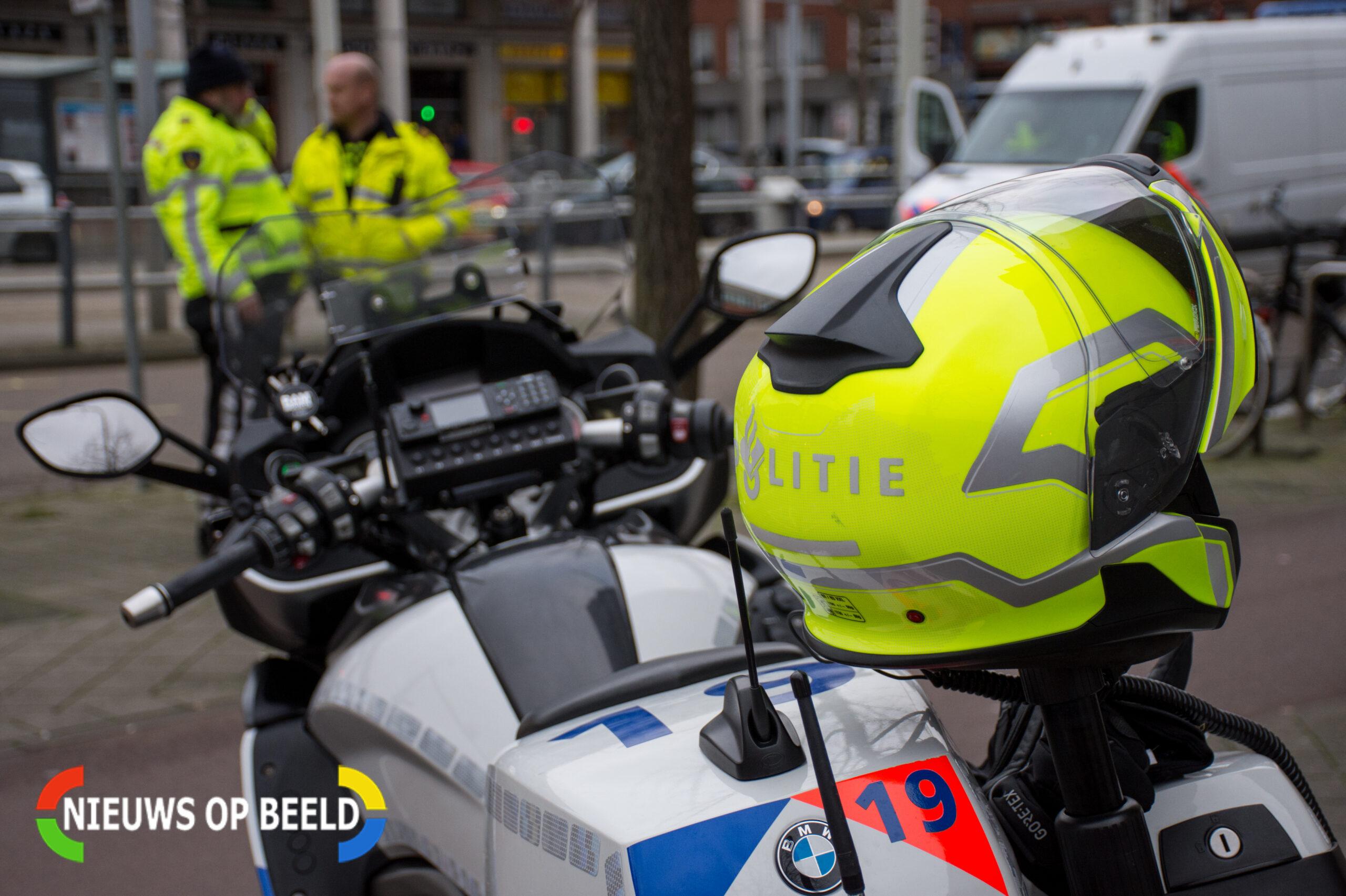 Politie vindt vuurwapen in auto in Schiedam