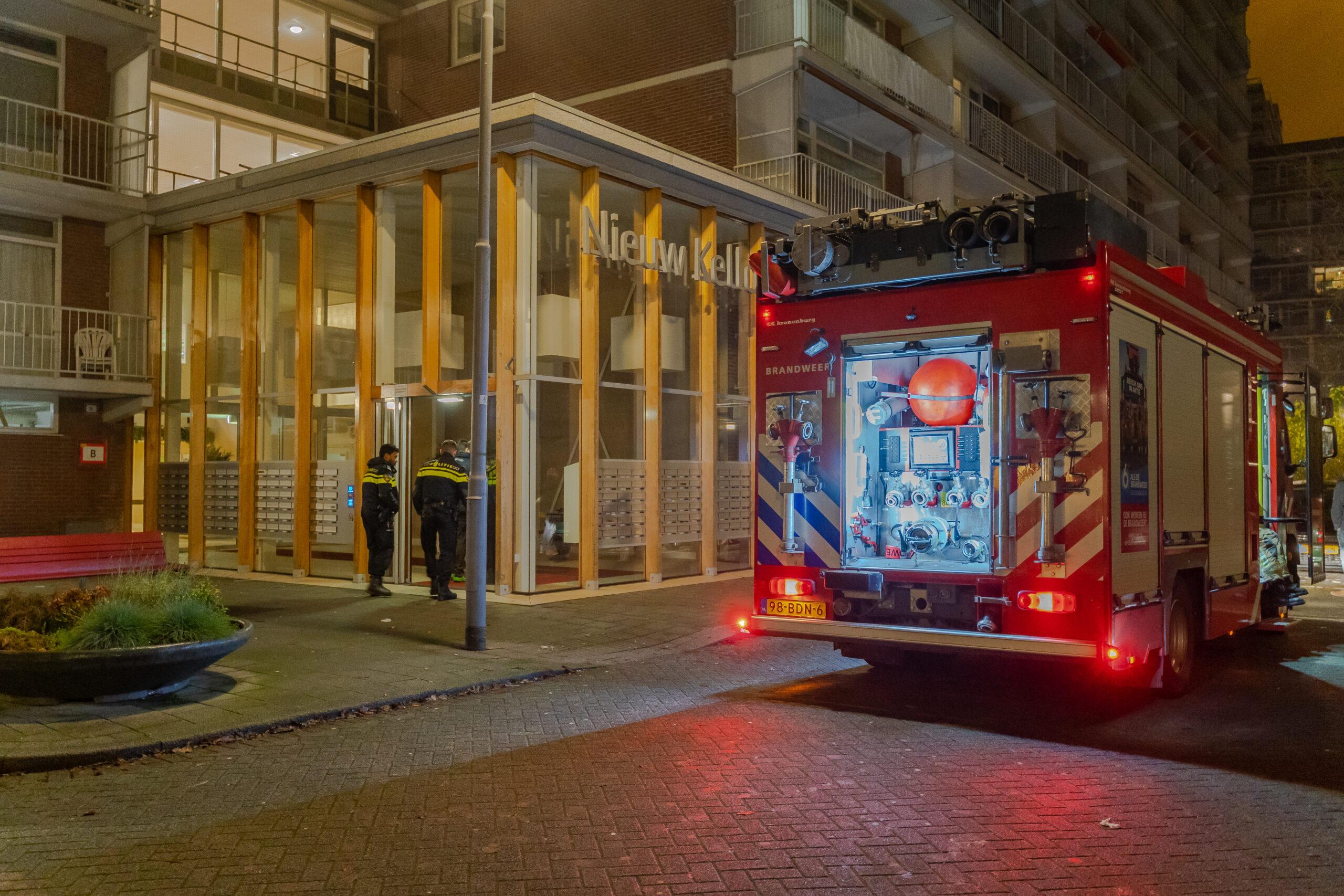 Kleine brand in gang van flat Kellogplaats Rotterdam