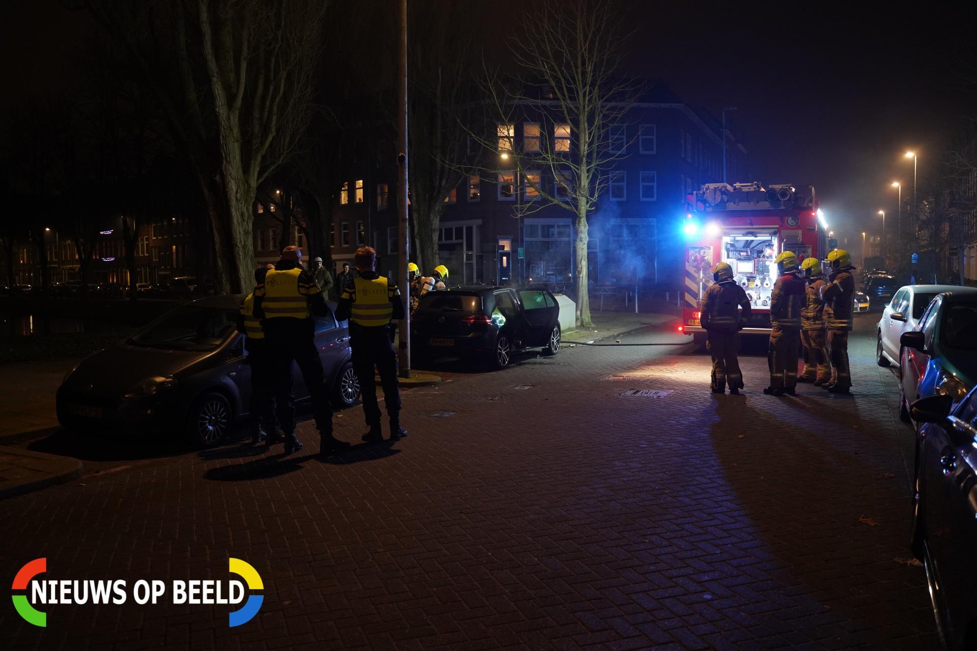 Auto vernield door brand Paradijslaan Rotterdam