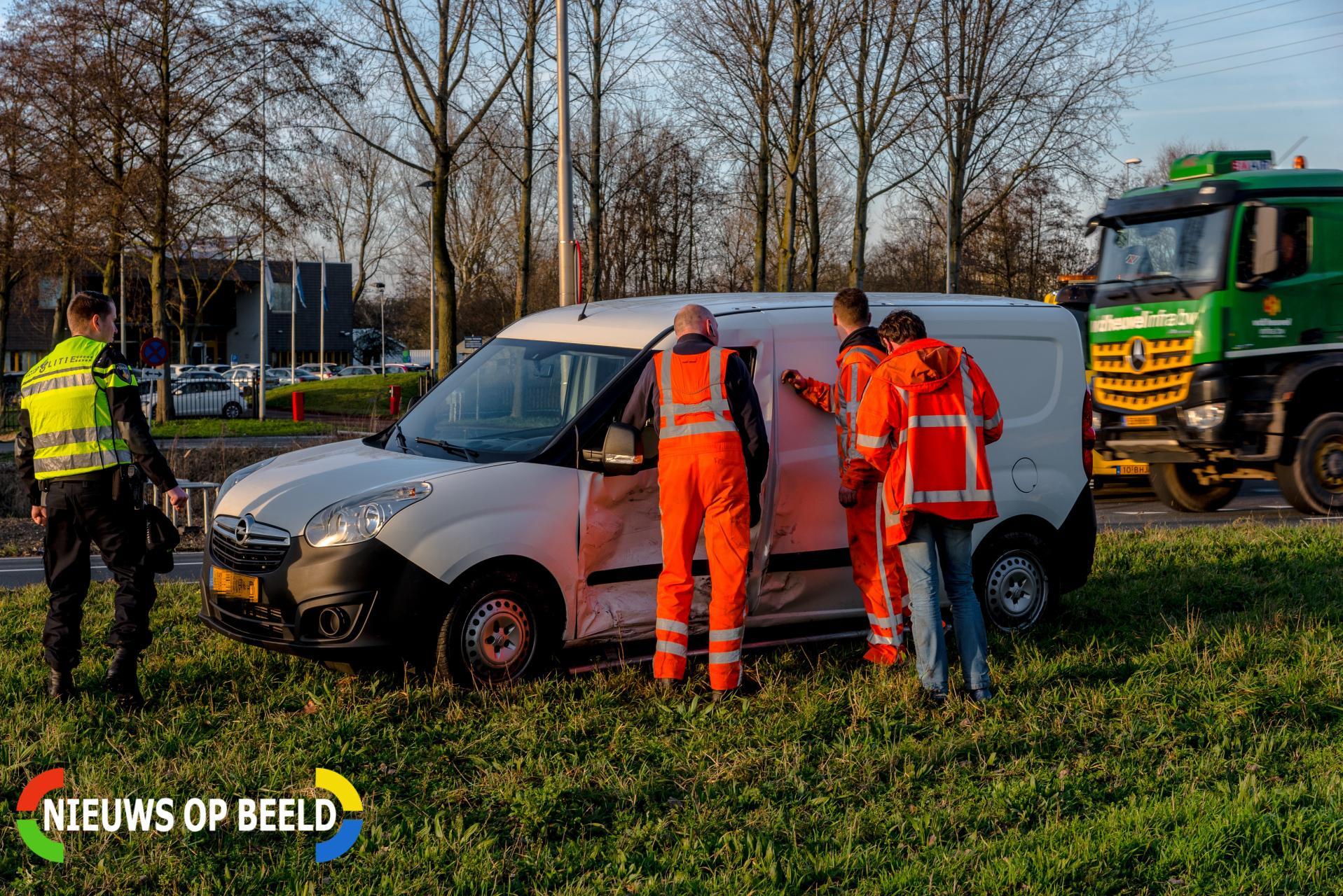 Auto's zwaar beschadigd na ongeval Groene Kruisweg – S102 Rhoon