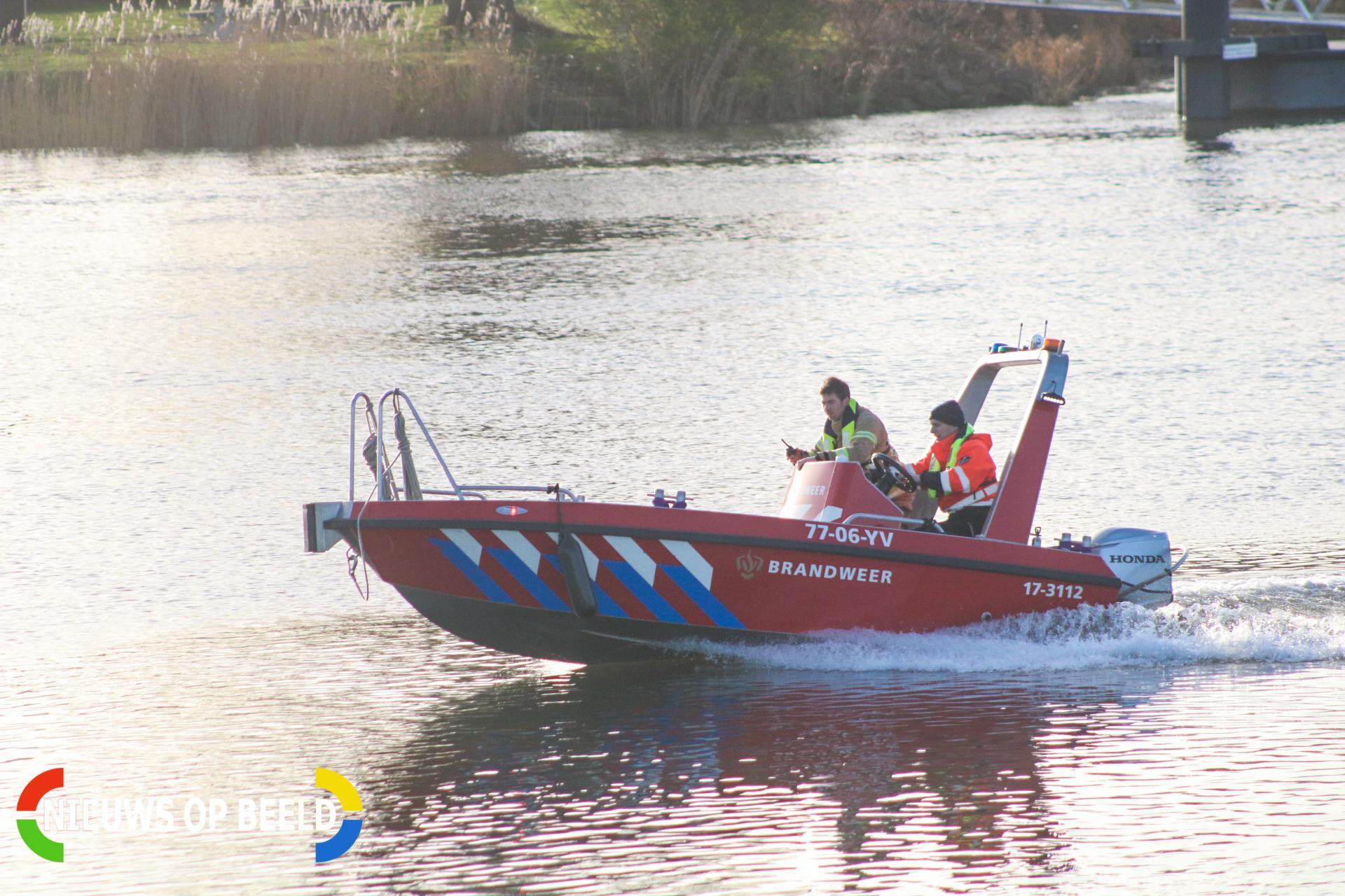 Zoekactie na mogelijk persoon te water bij waterzuivering Berenplaat Spijkenisse