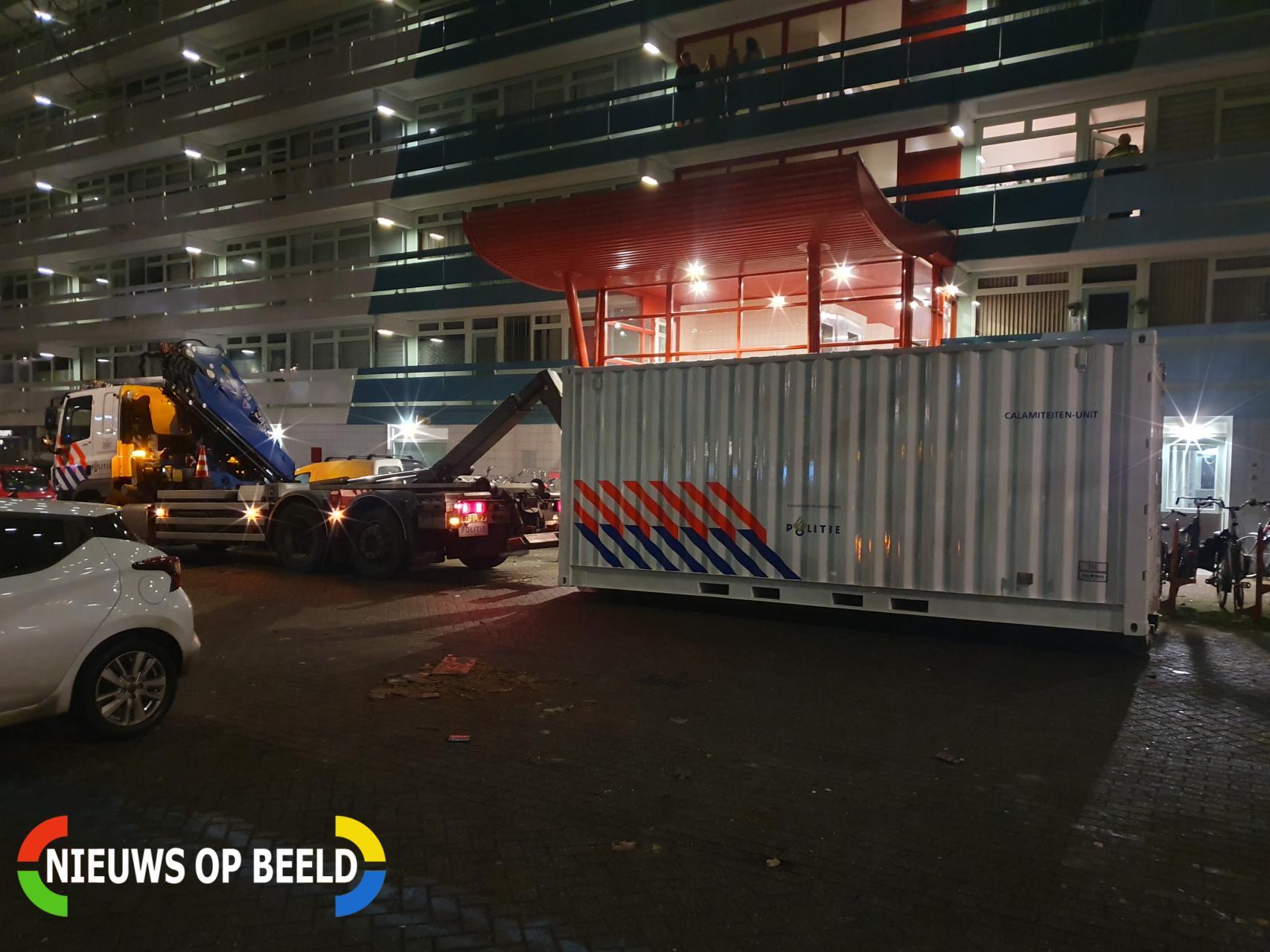 Overleden persoon onder flatgebouw aangetroffen Van Leeuwenhoeklaan Zoetermeer