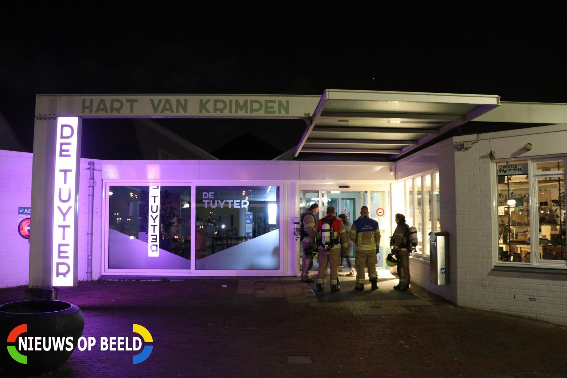 Brandweer onderzoekt brandmelding in ontmoetingscentrum de Tuyter Elckerlyc Krimpen aan den IJssel