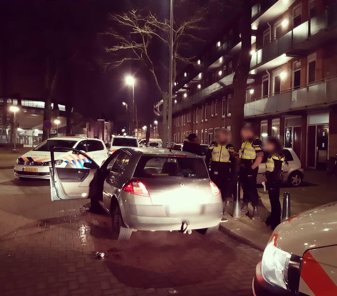Man onder invloed weigert medewerking en gaat in verzet Spartastraat Rotterdam