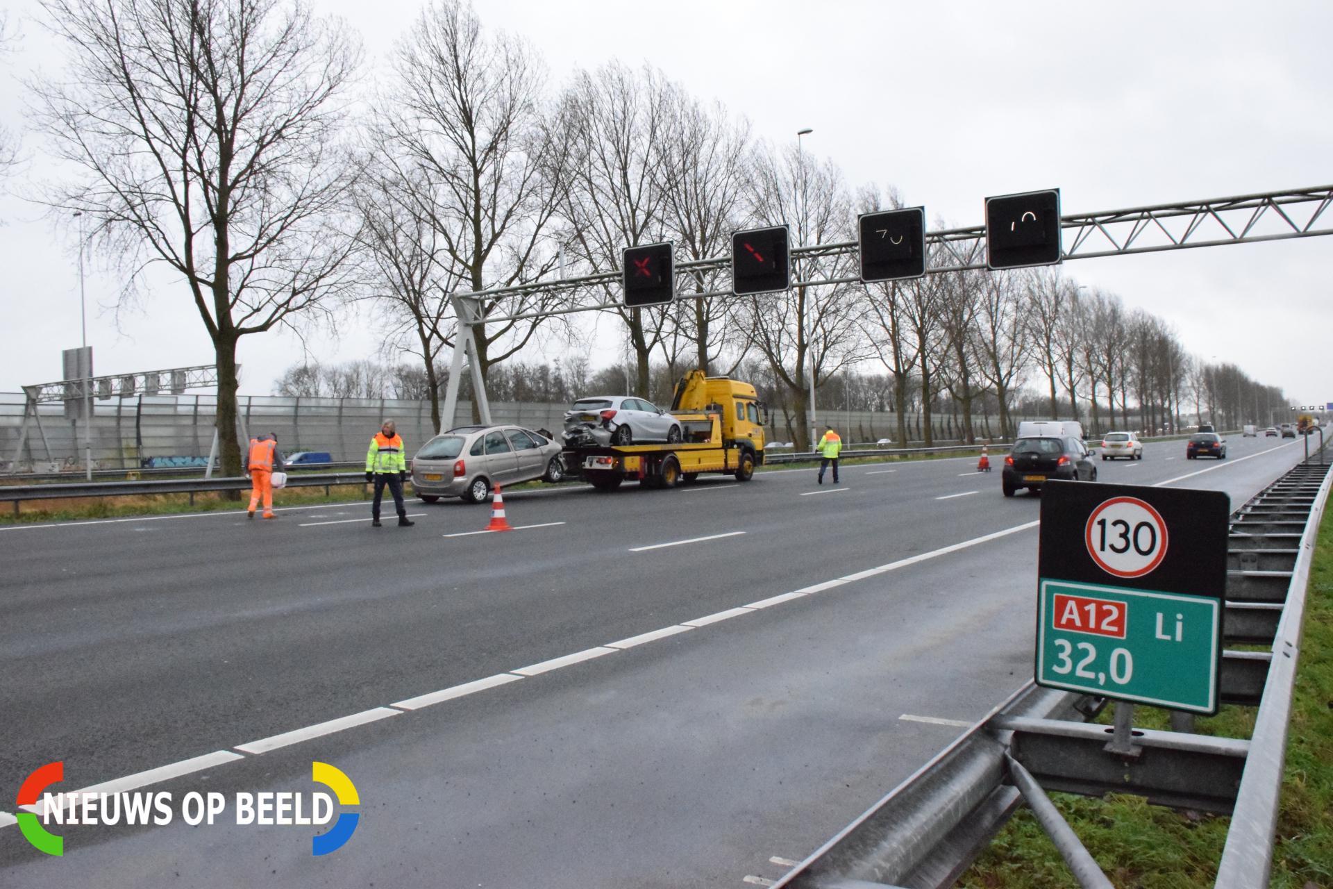 A12 tijdelijk afgesloten na ongeval Rijksweg A12 Reeuwijk