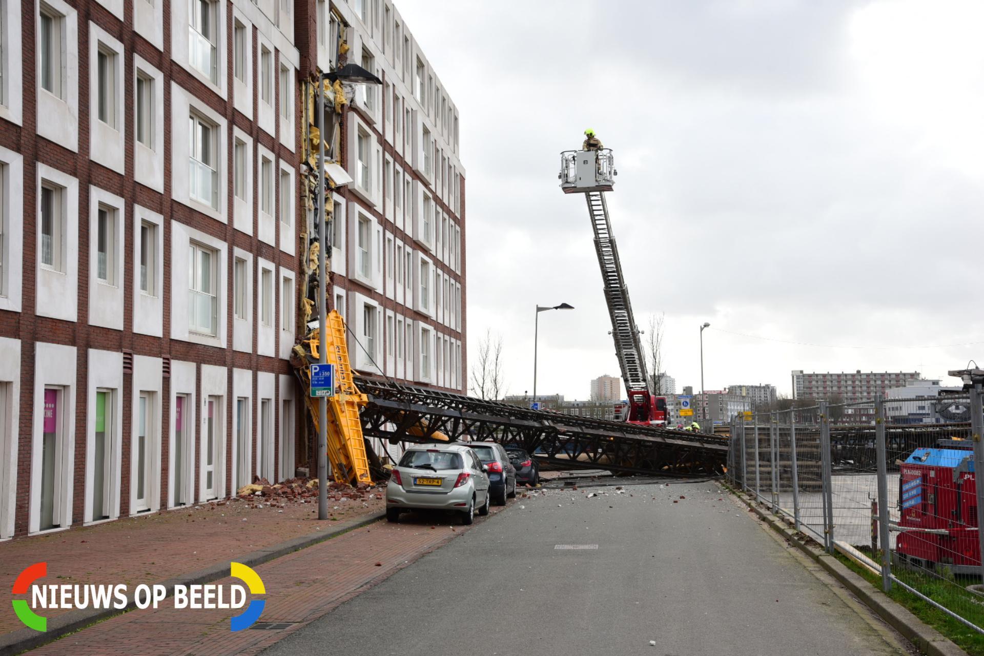 Heimachine valt op woningen Rotterdam; wonder boven wonder geen gewonden