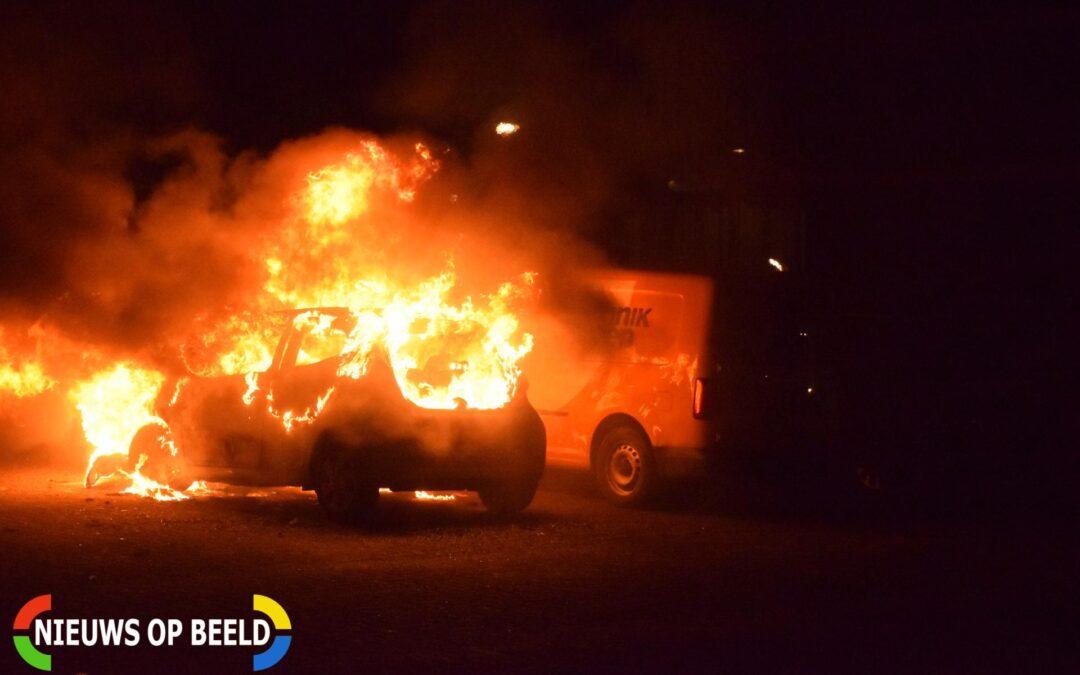 Meerdere auto's verwoest door een brand Passage Waddinxveen