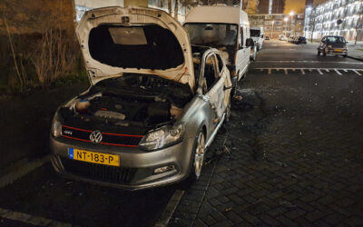 Auto verwoest door brand Hollands Tuin Rotterdam