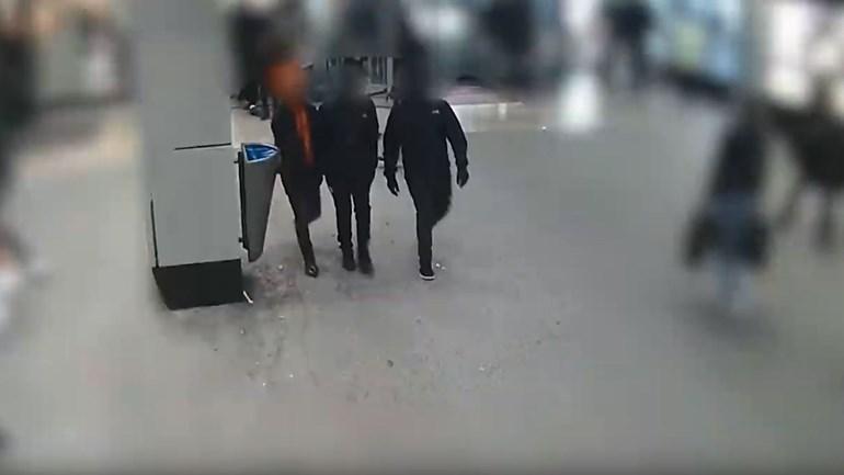 Politie toont verdachten van beroven PlayStation van 13-jarige in Capelle aan den IJssel