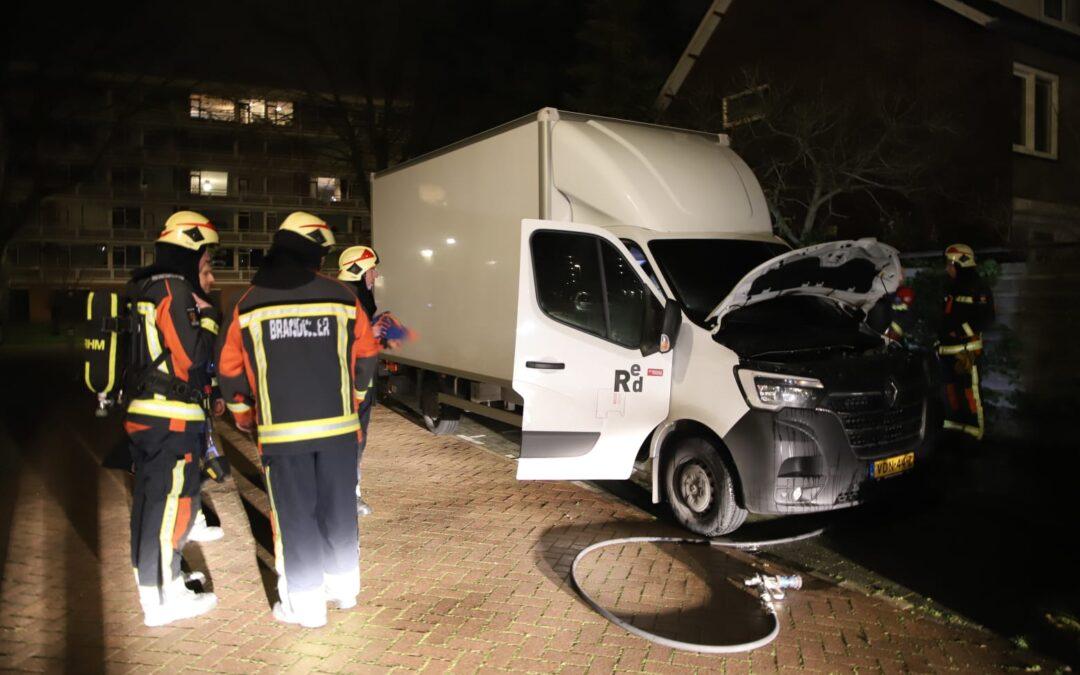 Vrachtwagen op tijd geblust aan Jacob van Lennepstraat in Waddinxveen