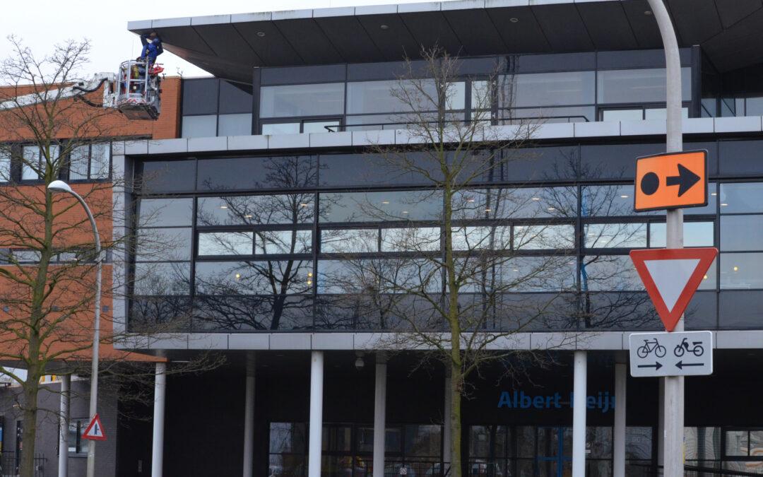 Dakplaat Albert Heijn Distributiecentrum door harde losgelaten Laan van Ruyven Delfgauw