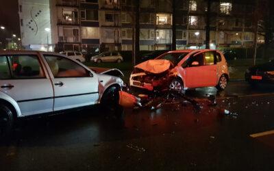 Forse schade na aanrijding met drie personenauto's Statensingel Gouda