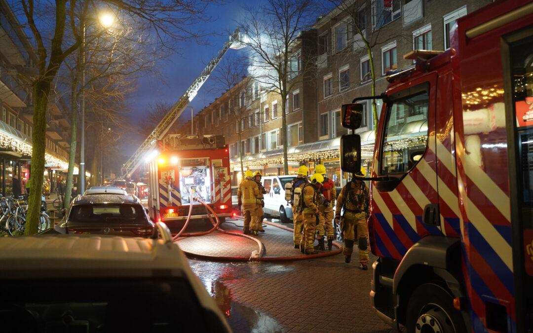 Uitslaande brand in appartement Peppelweg Rotterdam