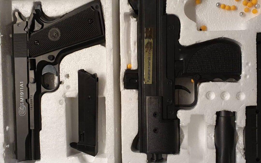 Minderjarige met zwaardje en vuurwapens opgepakt in Nissewaard