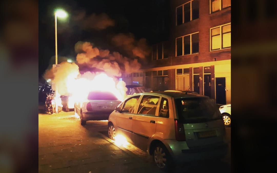 Meerdere voertuigen in brand Taandersstraat Rotterdam