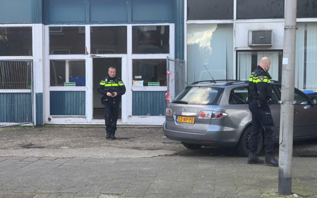 Politie doet inval in oude timmerfabriek Wilhelminastraat Bodegraven