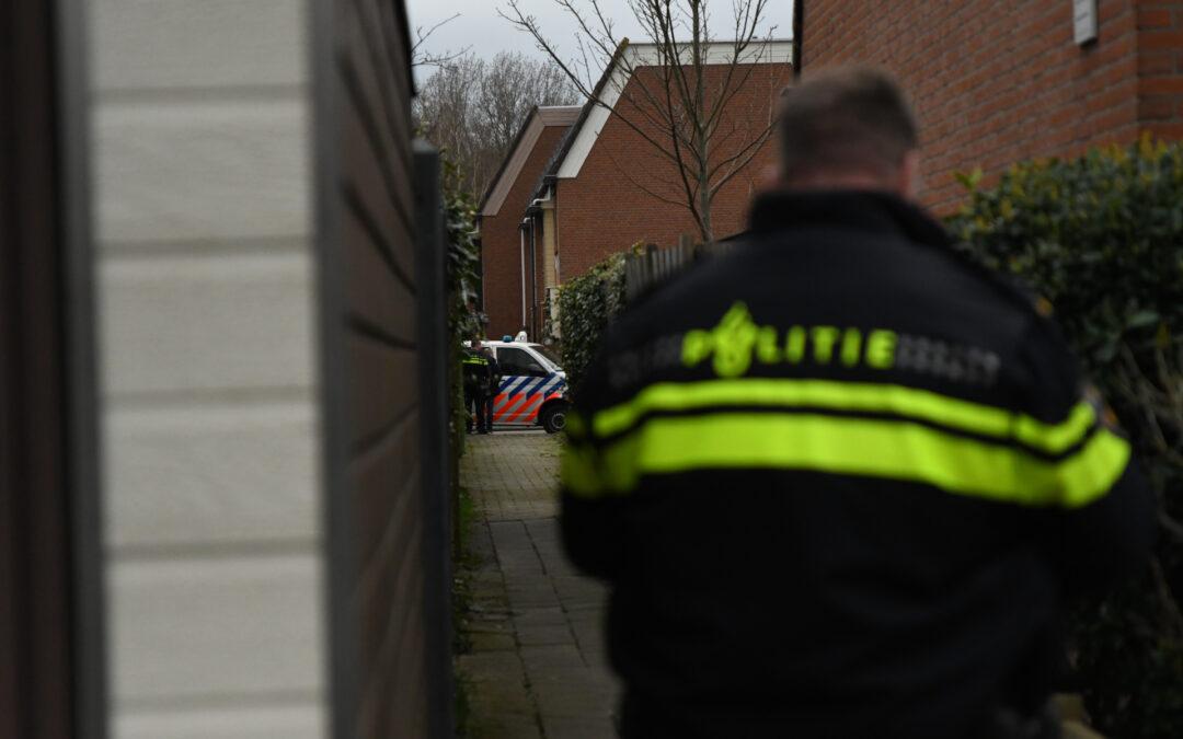 Grote politie inzet bij woning Dukaatvlinder Hellevoetsluis