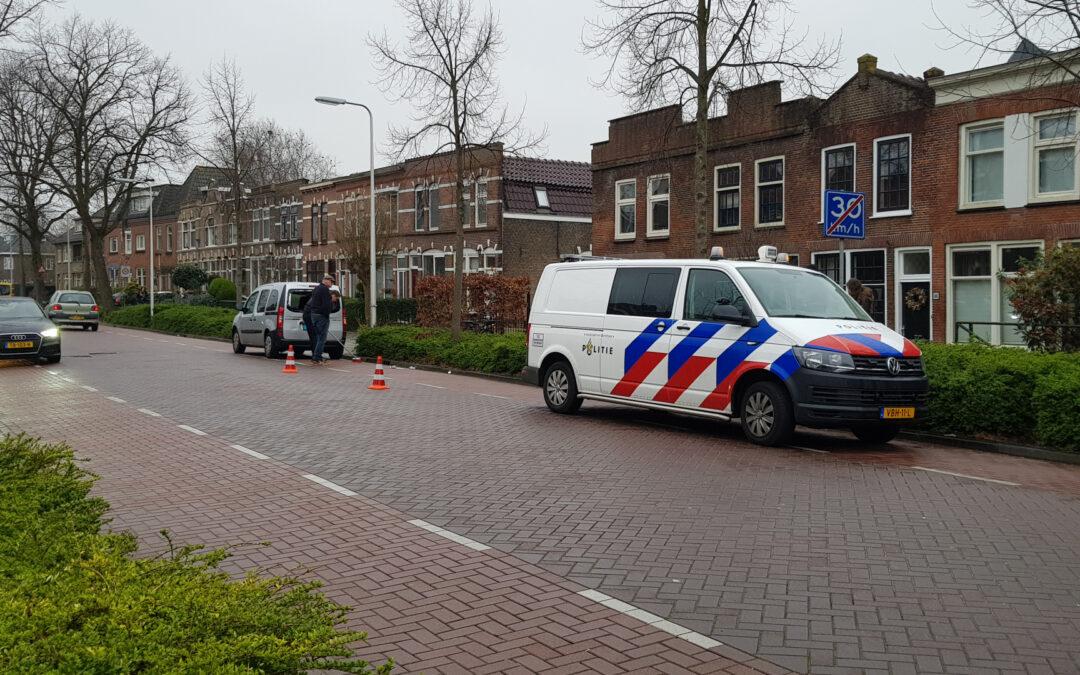 Fietser botst achterop taxibus Graaf Florisweg Gouda