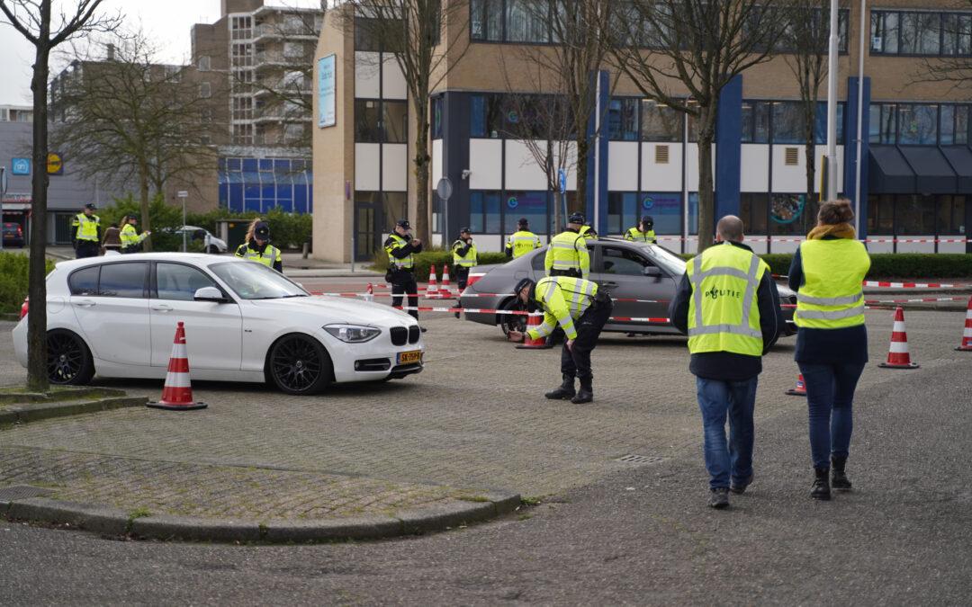Politie organiseert grote controle voor verkeer en ondermijning Stationsplein Capelle aan den IJssel
