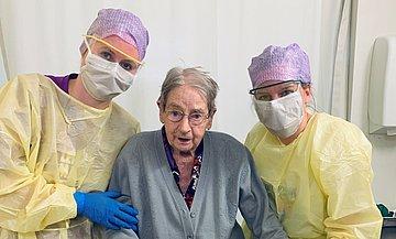 101-jarige corona-patiënte ontslagen uit het IJsselland Ziekenhuis; een 'sprankje hoop' voor medisch personeel