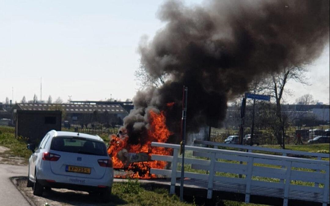 Scooter vliegt spontaan in brand Oost Ringdijk Moordrecht