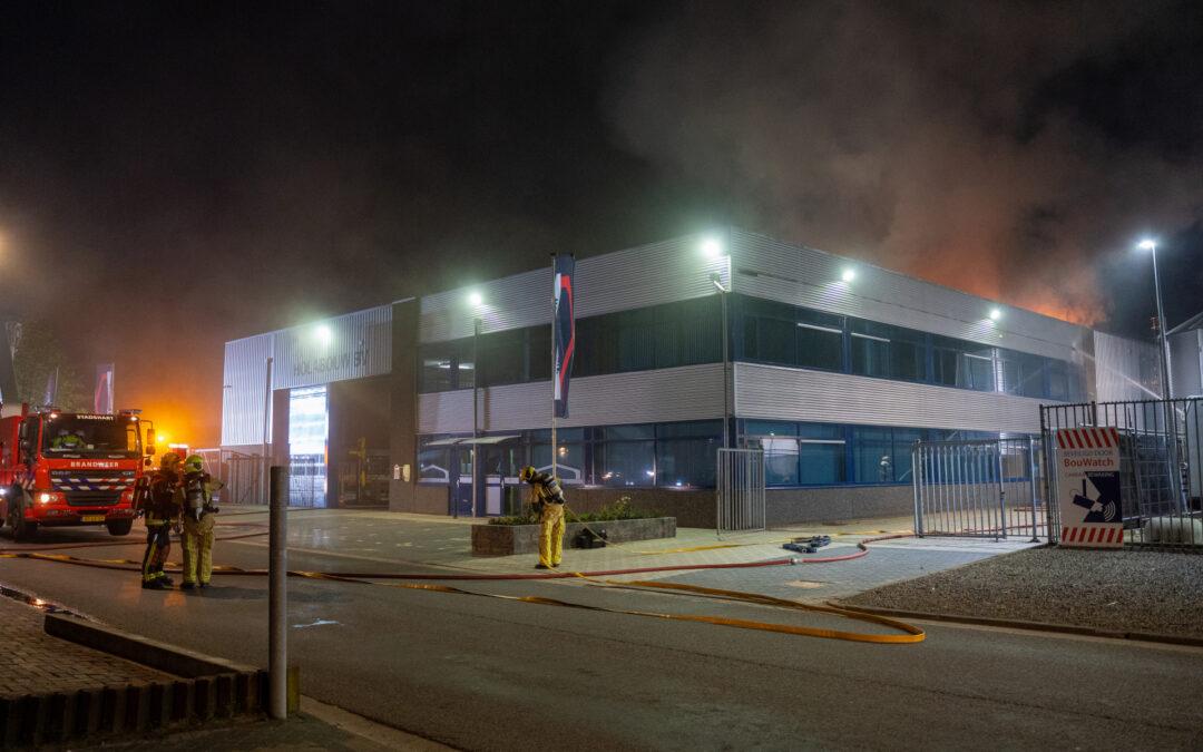 Zeer grote brand in bedrijfspand Holabouw BV Nijverheidstraat Moerkapelle