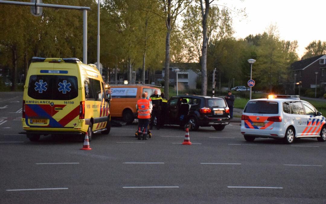 Veel schade bij aanrijding op kruising Burgemeester van Reenensingel Gouda