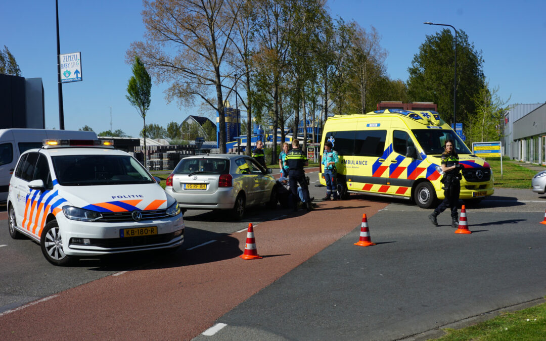 Scooter bestuurster gewond na aanrijding Industriestraat Gouda