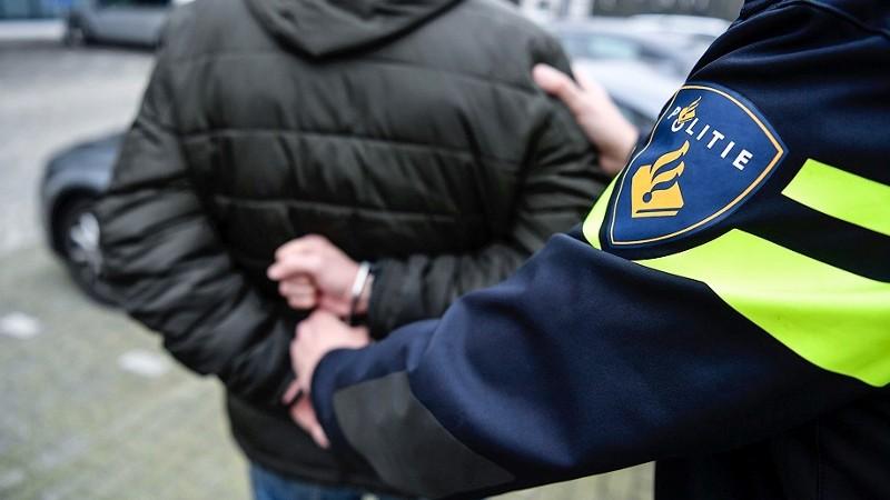 Jongen (14) uit Barendrecht en jongen (15) uit Ridderkerk aangehouden voor stelen smartphone in Barendrecht