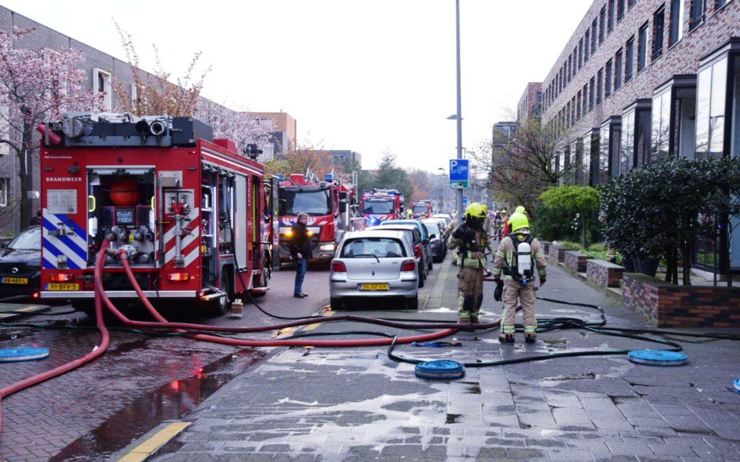 Meerdere voertuigen in brand in parkeergarage Vuurplaat Rotterdam