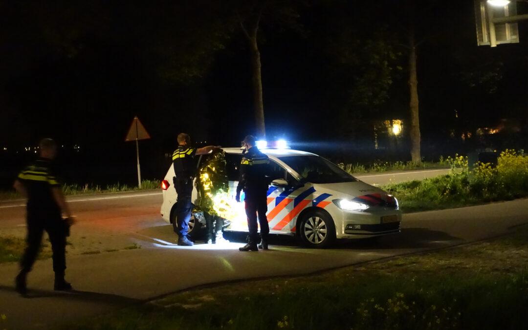 Motorscooter belandt in sloot na politieachtervolging, twee verdachten aangehouden Middelweg Moordrecht