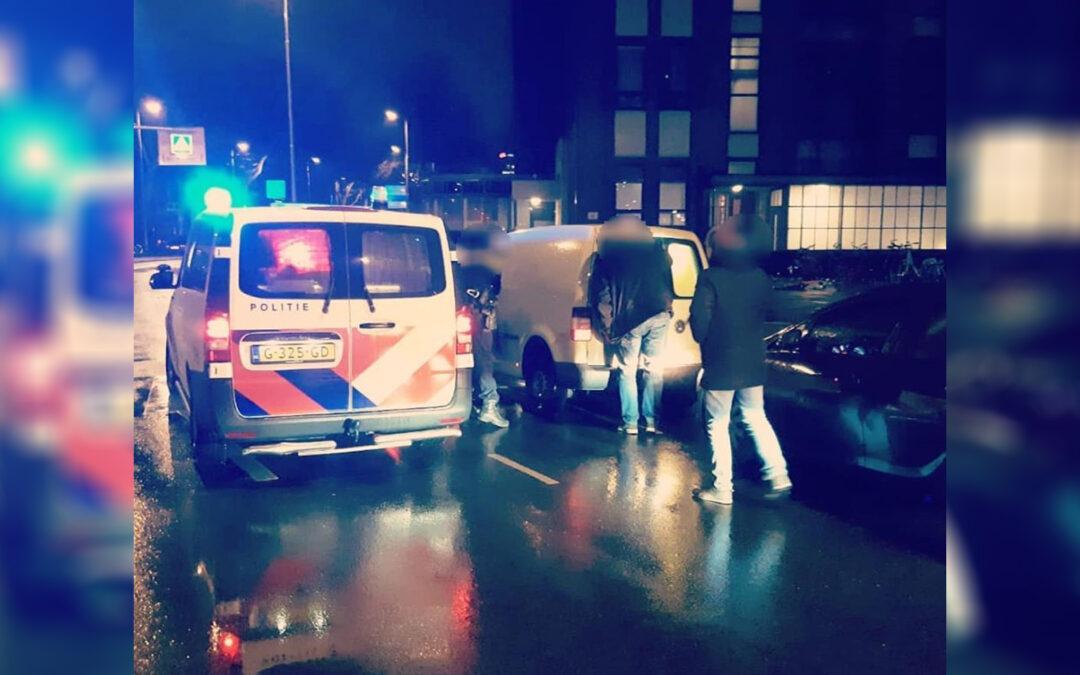 Man steelt voertuig van bezorger in Rotterdam
