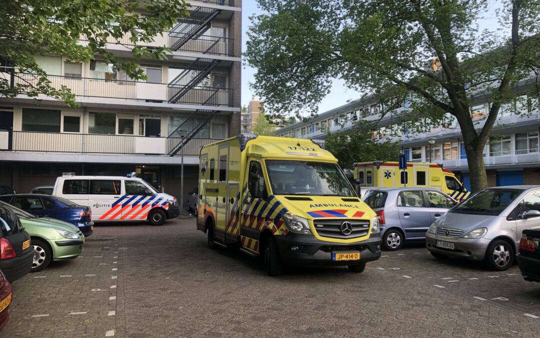 Traumahelikopter trekt veel bekijks Bart Verhallenplein Schiedam
