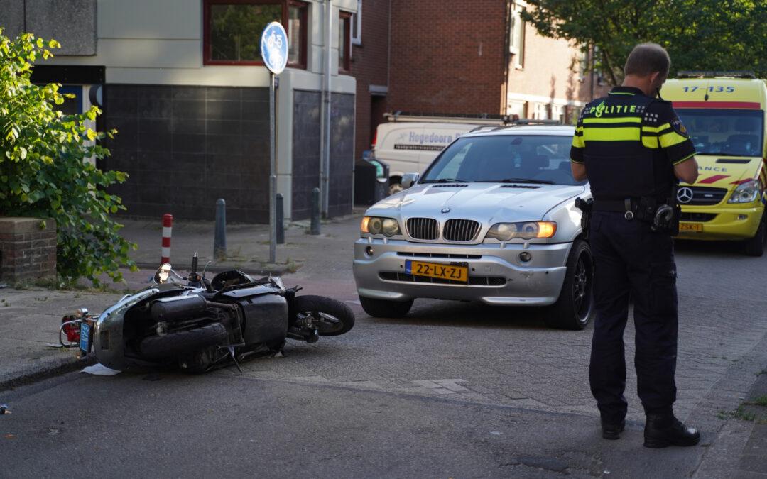 Scooterrijder gewond na aanrijding Lissabonerf Rotterdam