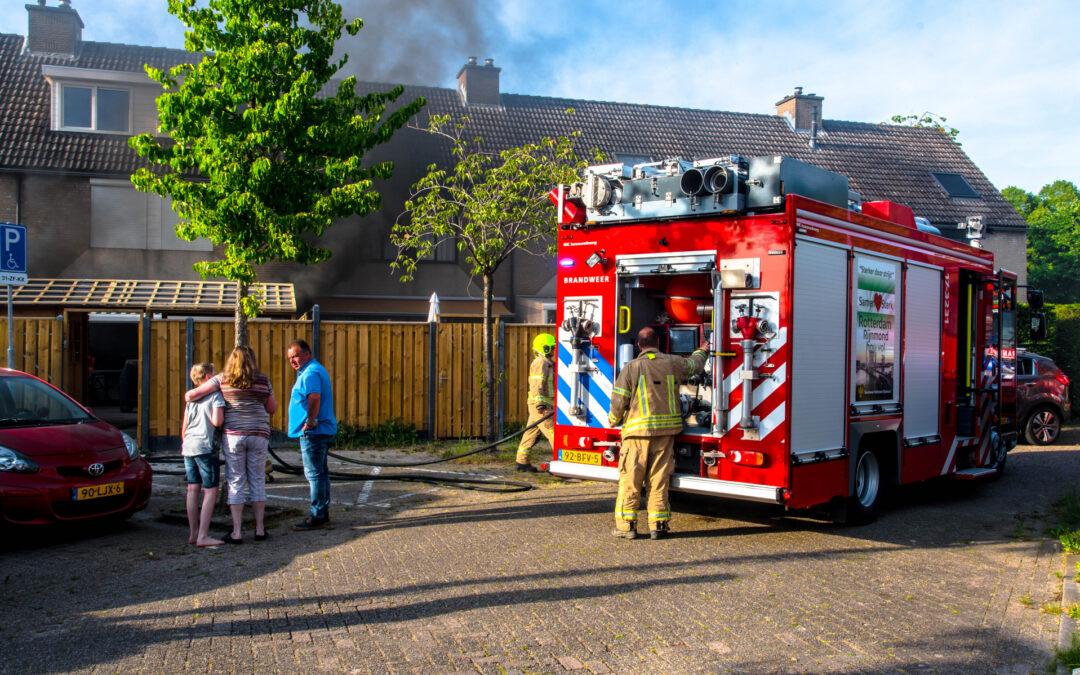 Oplader veroorzaakt forse brand in woning Meerkoet Hoogvliet Rotterdam