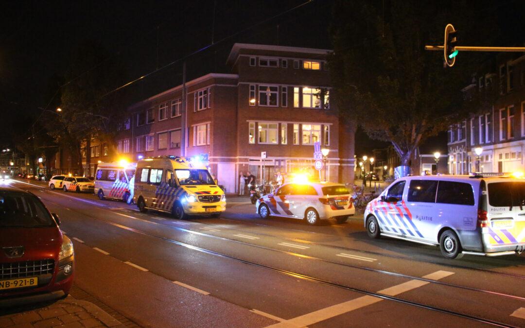 Gewonde na aanrijding tussen scooter en maaltijdbezorger Jurriaan Kokstraat Den Haag
