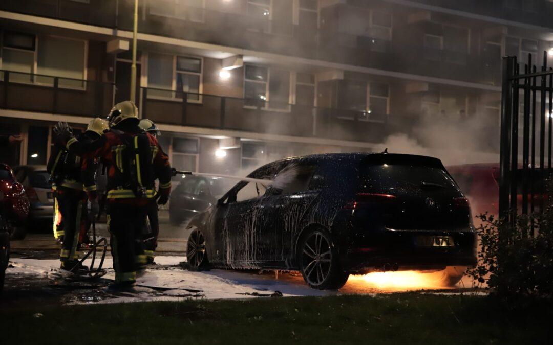 Vijf auto's verwoest door brand Han Hollanderweg Gouda